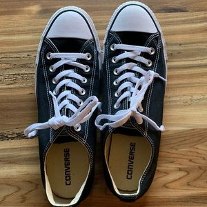 Converse black and white low top